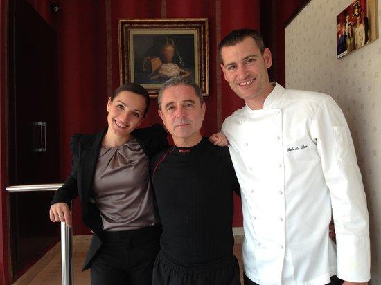 Pau Restaurant: Con Mamen Y Roberto