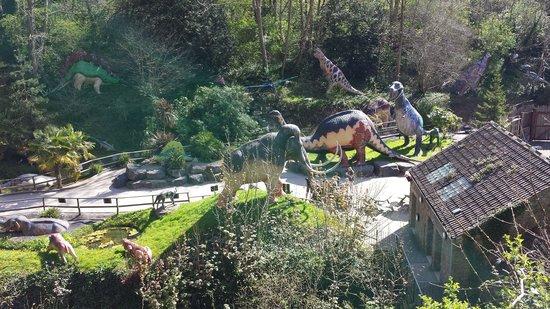 Wookey Hole Caves : dinosaurs
