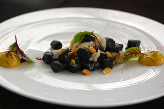 Muse Restaurant : Fraser Isle Spanner Crab and Squid Ink Gnocchi  sorrel, fermented chilli, sweet corn