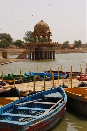 Gadsisar Sagar Lake: boating