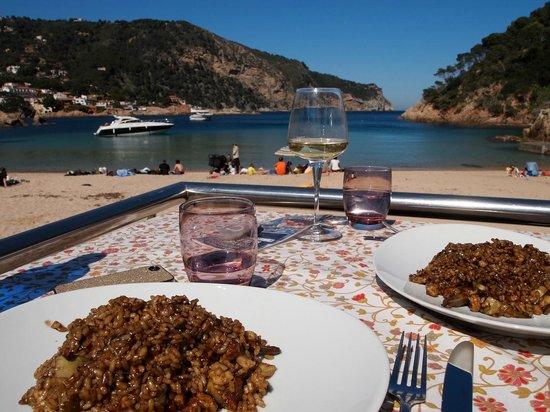 Toc Al Mar: Arroz con alcachofas y pez de roca