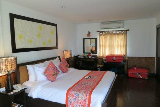 Phi Phi Island Village Beach Resort : Zimmer