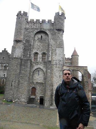 Gravensteen Castle : Castillo por fuera