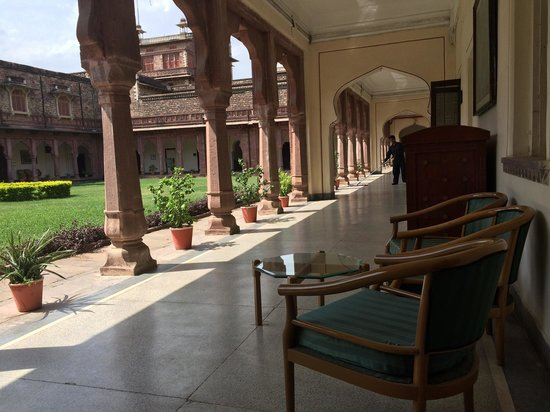 WelcomHeritage Umed Bhawan Palace: Outside the room