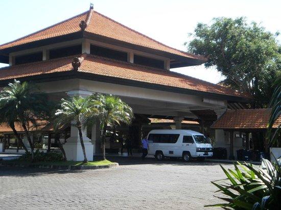 Grand Hyatt Bali : главный вход