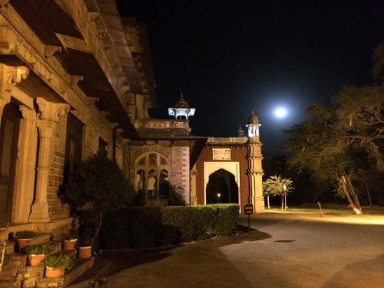 WelcomHeritage Umed Bhawan Palace: At night