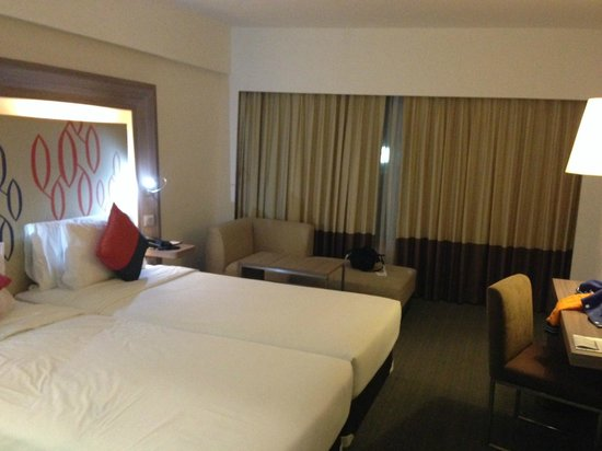 Novotel Bangkok Fenix Silom: Room