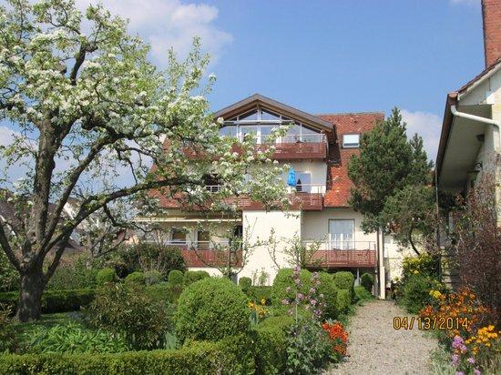 Hagnau, Duitsland: Hotelansicht vom See her