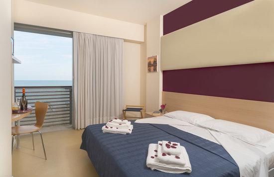 Hotel Rosanna: Camera Matrimoniale Vista Mare