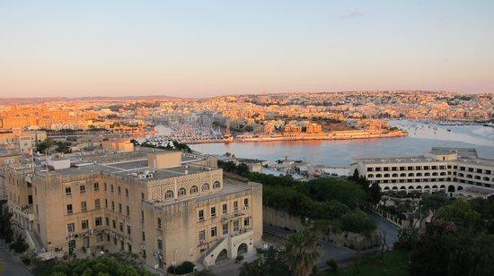 The Phoenicia Malta : Blick in Richtung Nordwest aus der 4.Etage