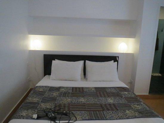 Le Safran La Suite : Queen bed