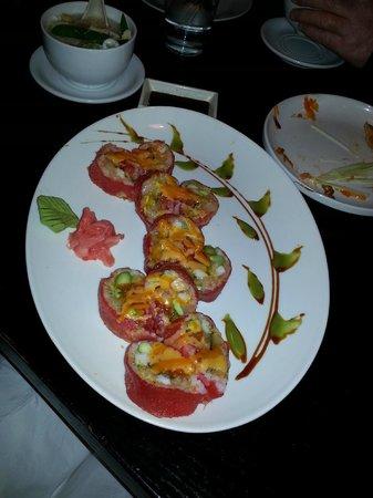 Bamboo Asian Cuisine & Sushi Bar : pink lady roll