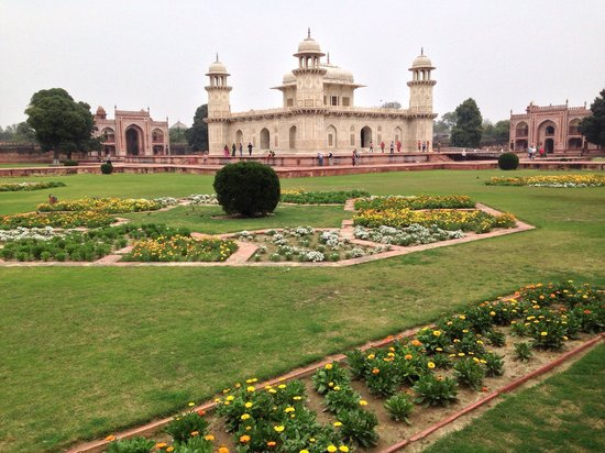 Tomb of Itimad-ud-Daulah : Blick vom Fluss