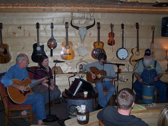 Crazyhorse Ranch & Lodge: A great night of music