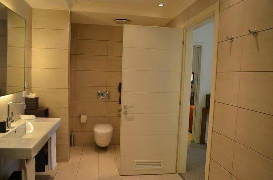 Radisson Blu Hotel, Milan: Concierge Member Suite Free Upgrade