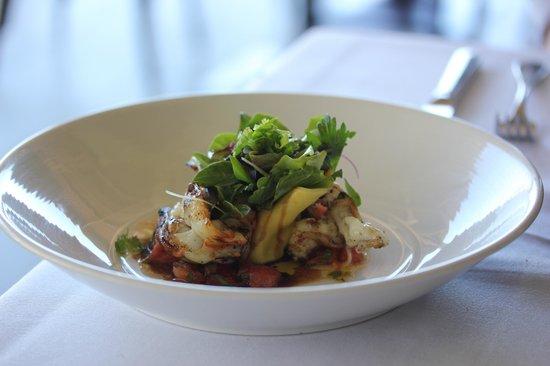 Restaurant Botanica: Yamba Prawns, goats curd and spinach tortellini, warm tomato and herb vinaigrett