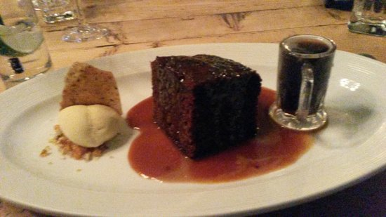Pipe and Glass : Terrific toffee pudding