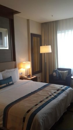 Courtyard by Marriott Seoul Times Square : spacious and clean room