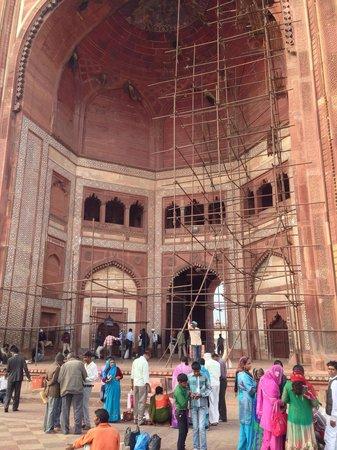 Fatehpur Sikri: buntes Treiben vor dem Eingang