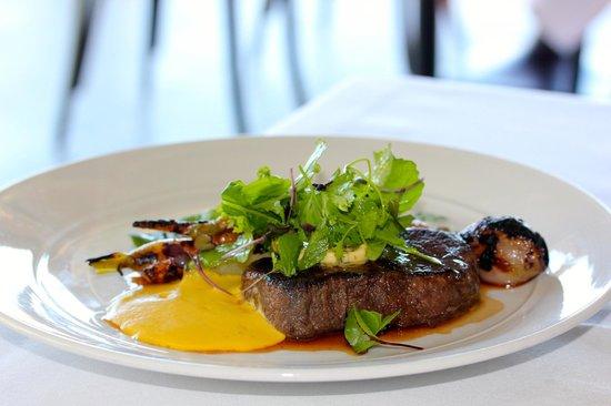 Restaurant Botanica - Hunter Valley Beef Fillet, wood smoked heirloom carrots, jerusalem articho