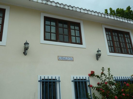 Andalucia Guest House: Appealing exterior!