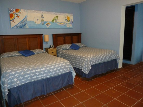 Andalucia House: Spacious comfy first room