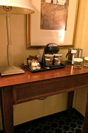 DoubleTree by Hilton Hotel Tulsa - Warren Place: Caffeine!