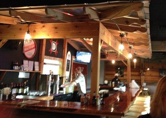 The bar decor set in center of restaurant picture of - Decoration restaurant bar moderne australie ...