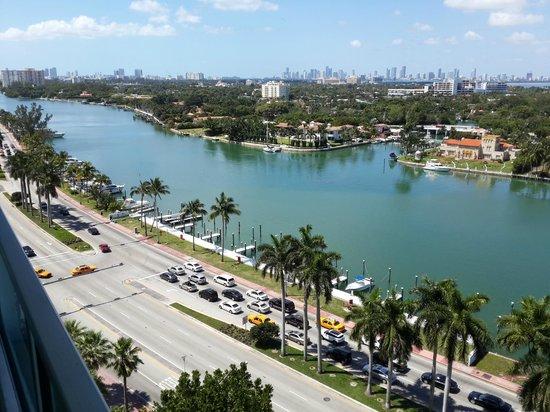 Seacoast Suites Hotel: Vista de Miami.