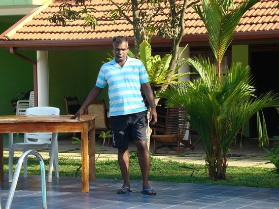 Damith Guest House: Hospitable and friendly Damith the Owner