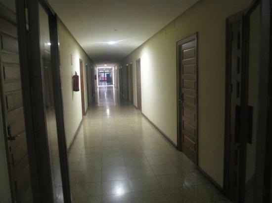 Hospederia San Martin Pinario: pasillos de habitaciones ¿HOTEL?