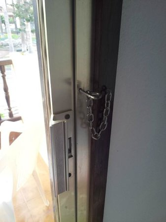 Marquesa Hotel: Security on the door this is locked!
