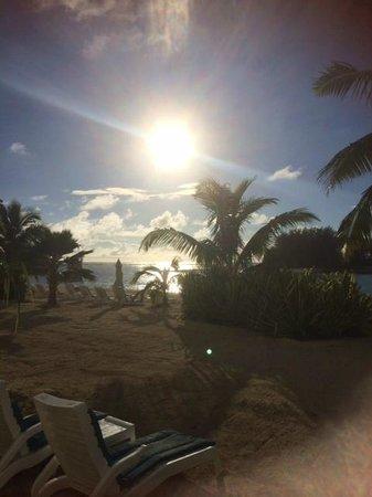Muri Beach Club Hotel: View from Lagoon View Room