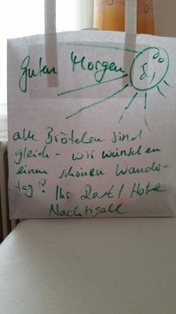 Restaurant Hotel Nachtigall: Lunchpaket für die Wanderung :-)