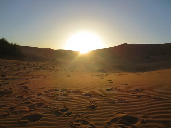 Morocco Discovery Holidays: Sunset in the Sahara