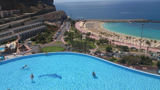 Gloria Palace Royal Hotel & Spa: The view from the hotel... 5*****