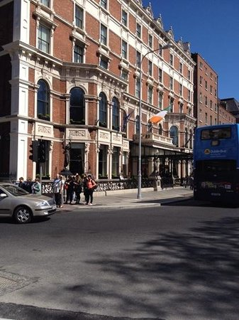 The Shelbourne Dublin, A Renaissance Hotel: Entrance