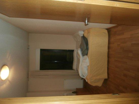 JCH Aparthotel Congreso: habitacion con cama doble