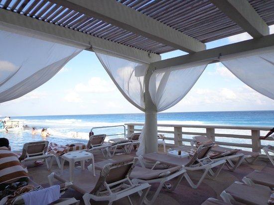 Crown Paradise Club Cancun: Relax