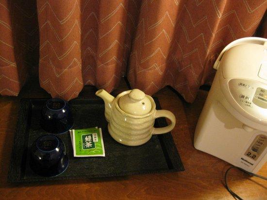 Business Kanko Hotel Kawai : ほうじ茶もあると良いのになぁ