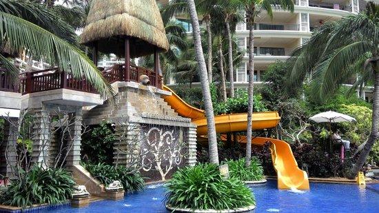 Ocean Sonic Resort: бассейн