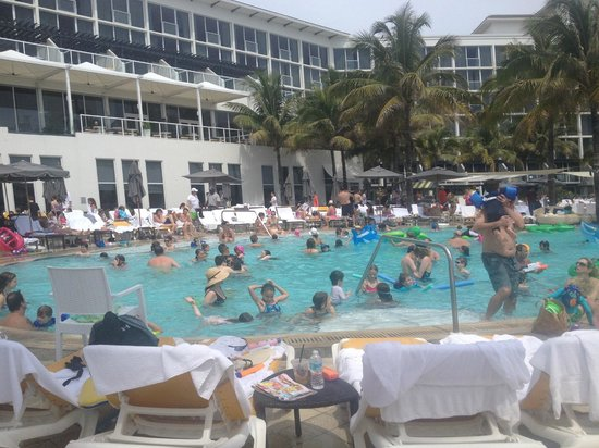 Very Crowded Pool Picture Of Boca