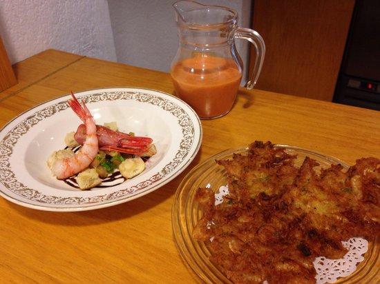 Cal Music Taverna: Gazpacho de gamba de palamos, tortillas de camarones