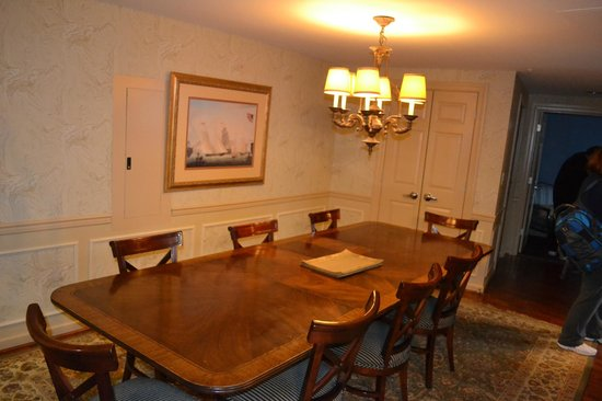 Wyndham Old Town Alexandria: Large Dining area