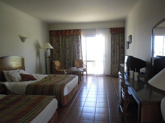 Reef Oasis Beach Resort : Our room