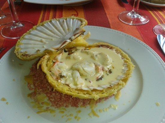 Auberge de la vigne gourmande : Coquille saint jacques et crabe en coquille