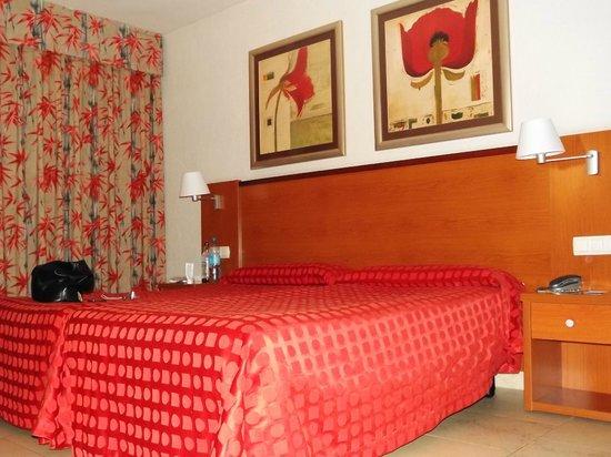 Hotel Las Palmeras : twin room
