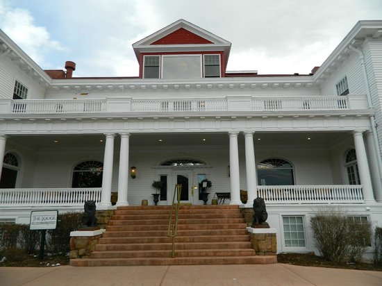 Front View of the Lodge at the Stanley hotel