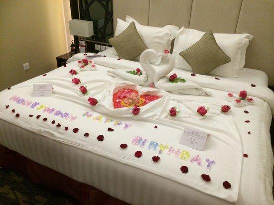 Swiss-Belhotel Harbour Bay: Birthday cum honeymoon decor