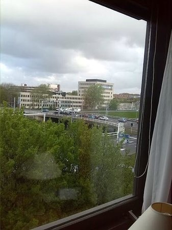 Bastion Hotel Amsterdam Zuidwest: look whats outside